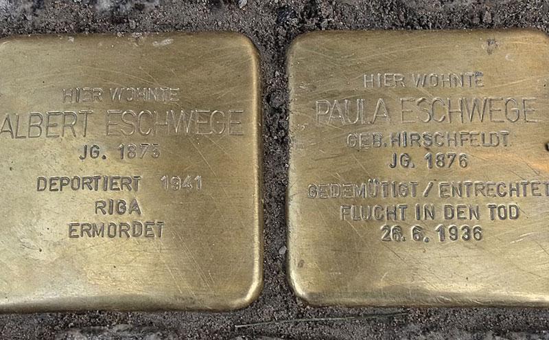 Goldene Gedenksteine für Opfer des Nationalsozialismus in Hamburg