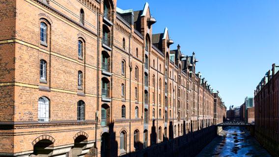 Alte Häuserfront im Kontorhaus-Viertel